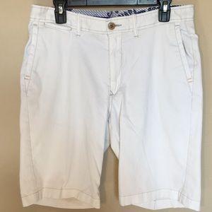 Tommy Bahama flat front white shorts Sz 33